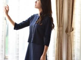 紺色ニットスーツ1